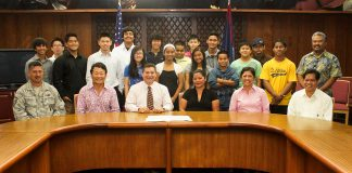 Governor With Table Tennis Team