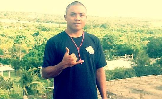 Ray_Cabrera_half_standing_550