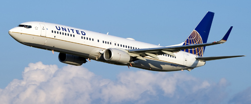 B737_in_the_sky_large_CO10_9665
