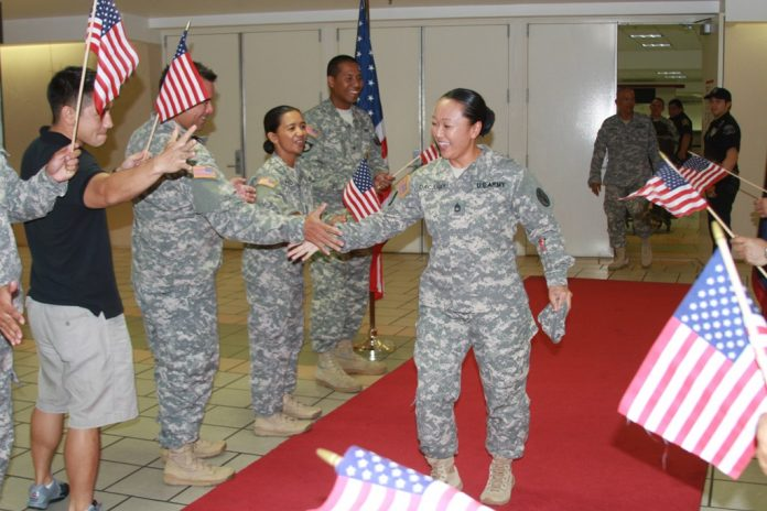 1-SFC_Dacanay_greeted_by_troops